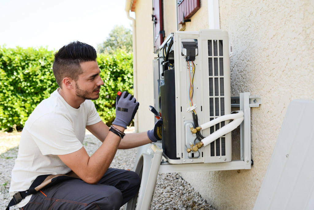 Things to consider before choosing AC contractor